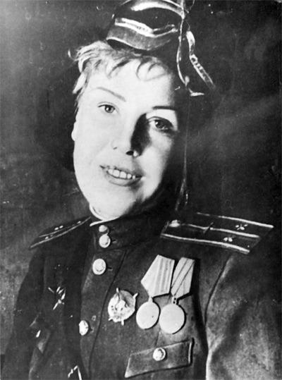 Click image for larger version.  Name:test 131 70 06 04  Lieutenant Olga Lisikova, 1943.jpg Views:4 Size:67.9 KB ID:383865