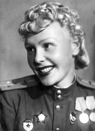 Click image for larger version.  Name:test 131 70 06 04 Lieutenant Olga Lisikova.jpg Views:4 Size:60.5 KB ID:383862