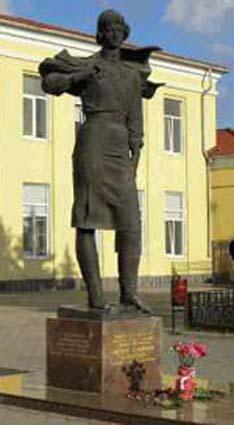 Click image for larger version.  Name:test 131 92 03 Monument to Evdokia Bershanskaya.jpg Views:2 Size:30.8 KB ID:384777